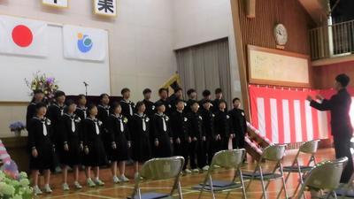 卒業生合唱1